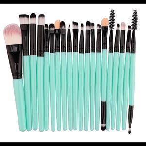 Other - Makeup Brush Set 20PCS